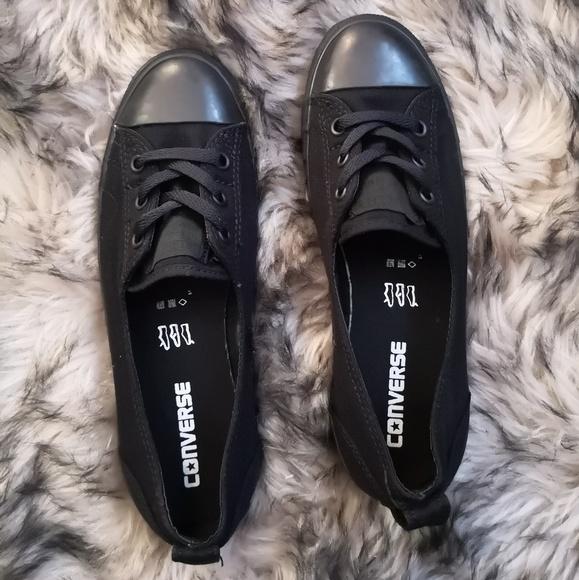 black ballet converse